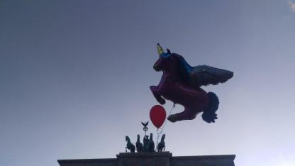 YESWECUM21 Einhorn Brandenburger Tor