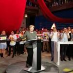 Angela Merkel eröffnet das #fedidwgugl Haus