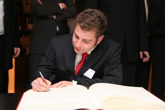 Eintrag ins Gästebuch des Präsidenten des Europäischen Parlaments 2009
