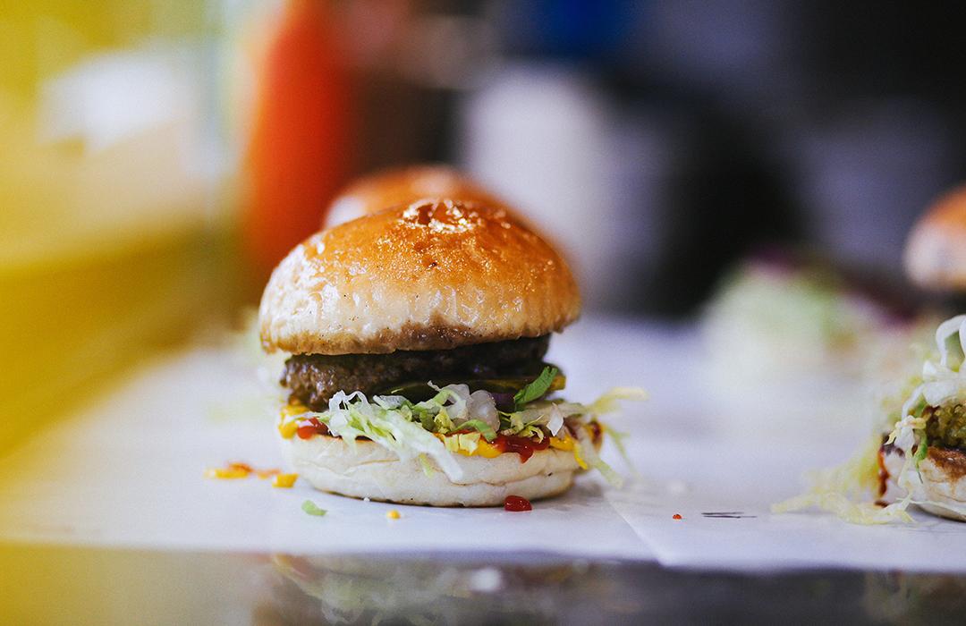 Científicos te dan otra razón para reducir tu consumo de comida rápida