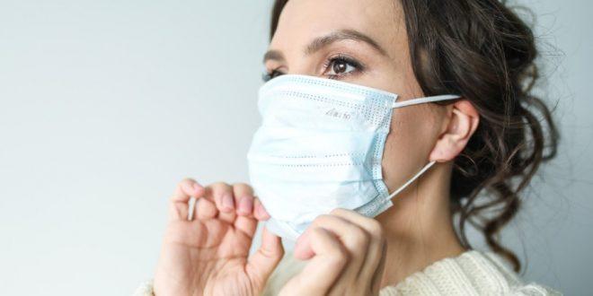 Te decimos cómo evitar que tu piel sufra por los cubrebocas