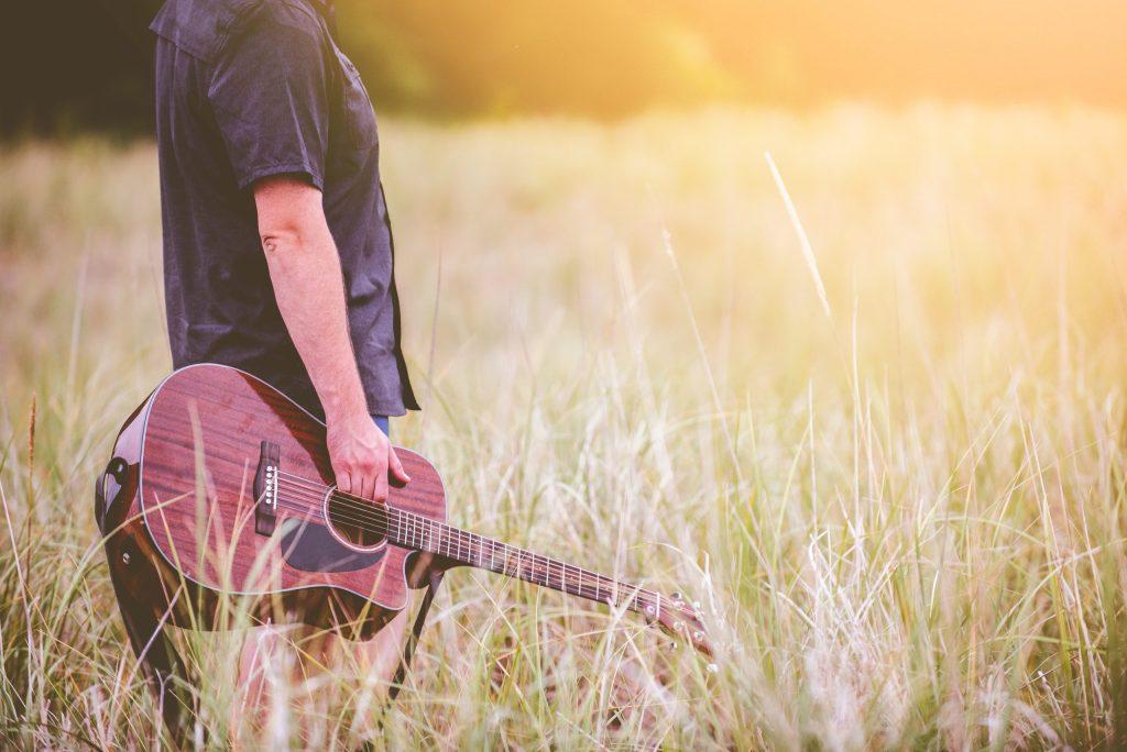 Conoce a Nico Georis, el músico californiano que hace melodías con plantas