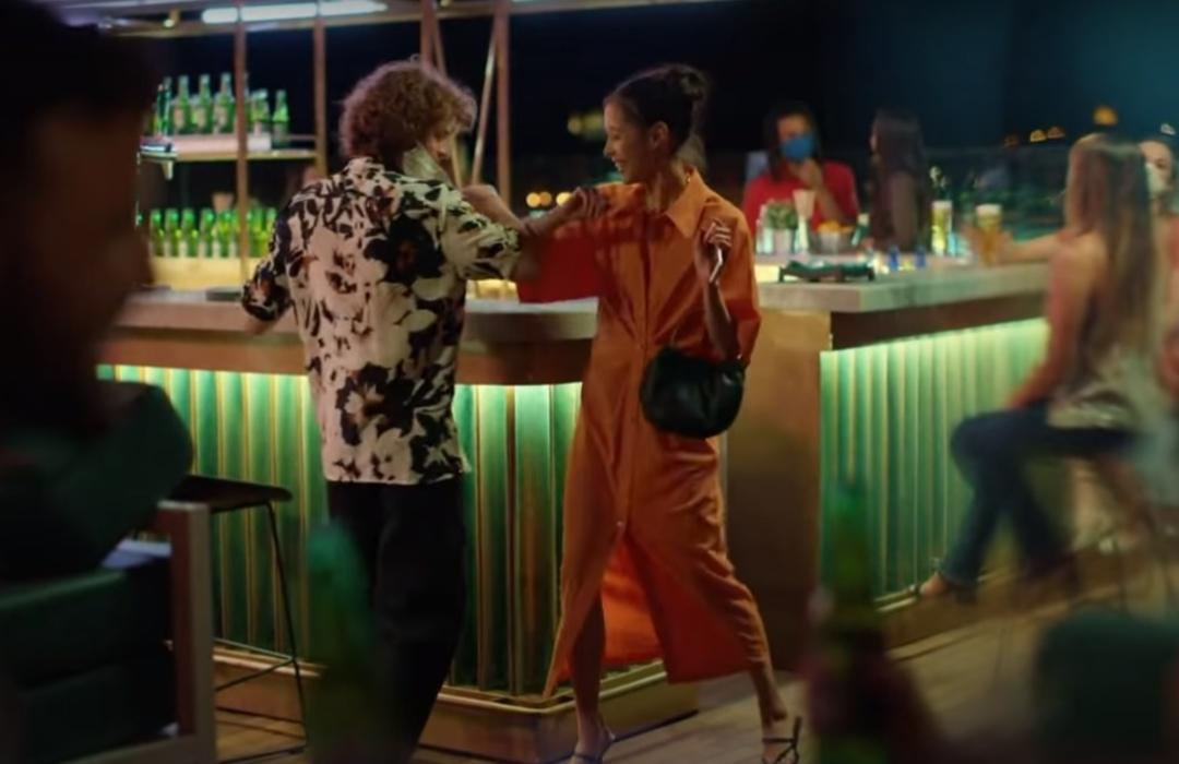 Heineken retrata cómo serán los bares en la nueva normalidad