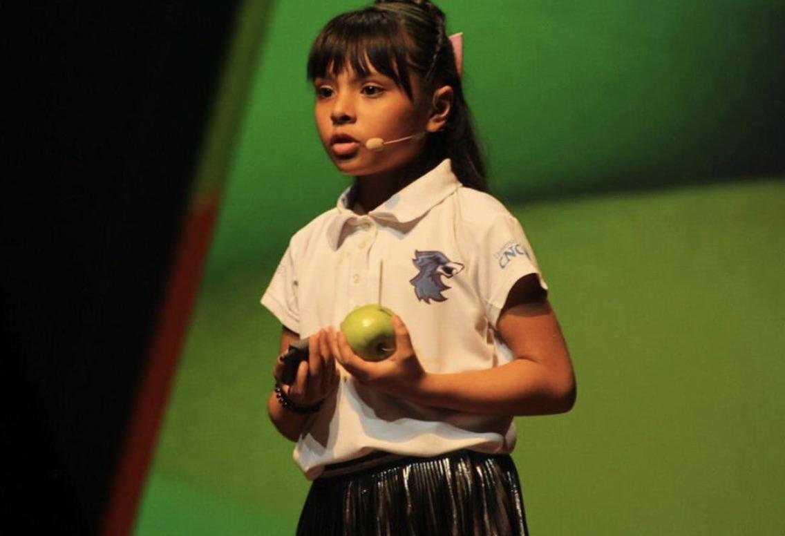 Adhara Pérez, la niña mexicana con un coeficiente superior al de Einstein