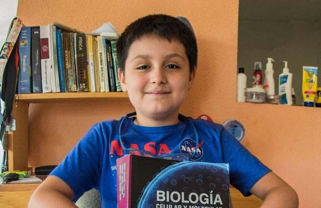 Carlos Santamaría, el mexicano de 14 años que comenzará su segunda carrera