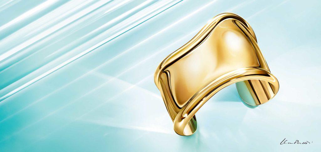 Tiffany & Co. celebra los 50 años del emblemático Bone Cuff diseñado por Elsa Peretti