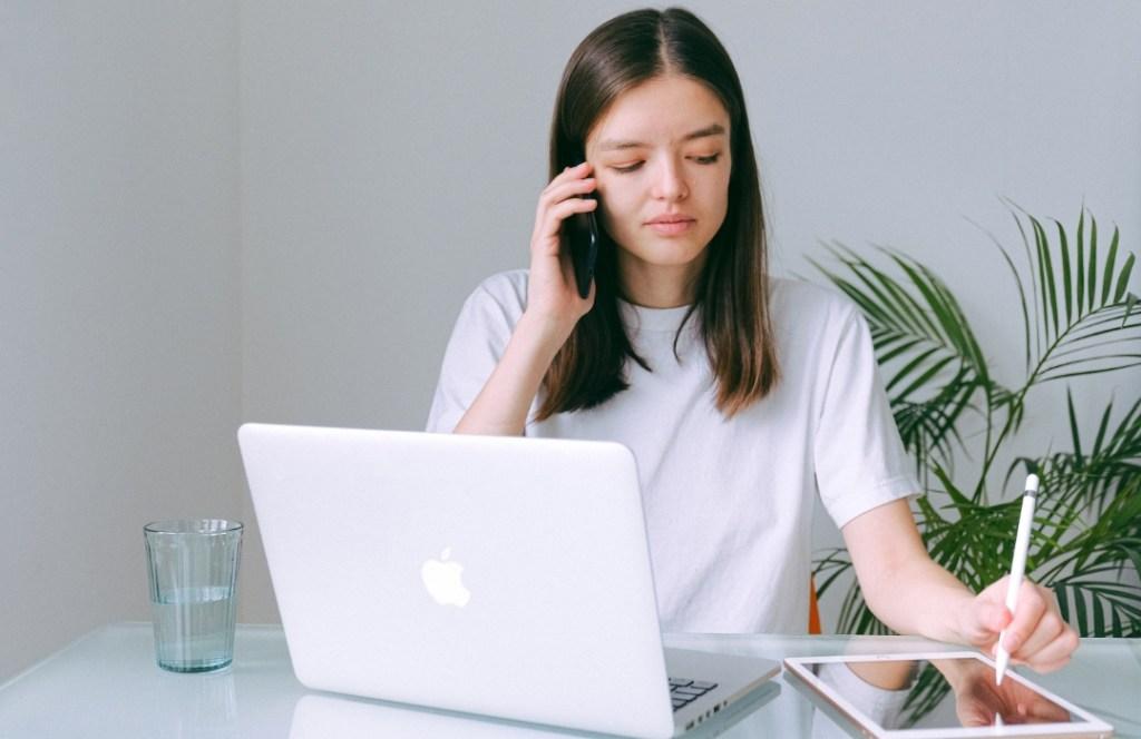 Tips para crecer en el trabajo aun estando en home office