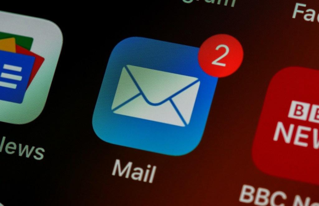 Poderosas razones por las que no debes revisar tu mail fuera del horario laboral