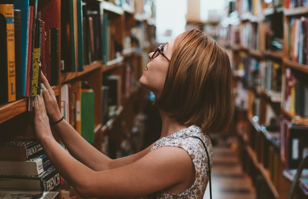 Cinco escritoras hispanas que debes leer