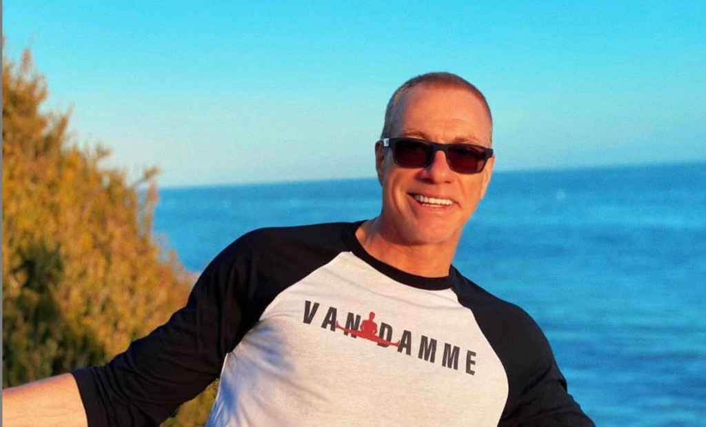 Jean-Claude Van Damme salva a una pequeña chihuahua de ser sacrificada