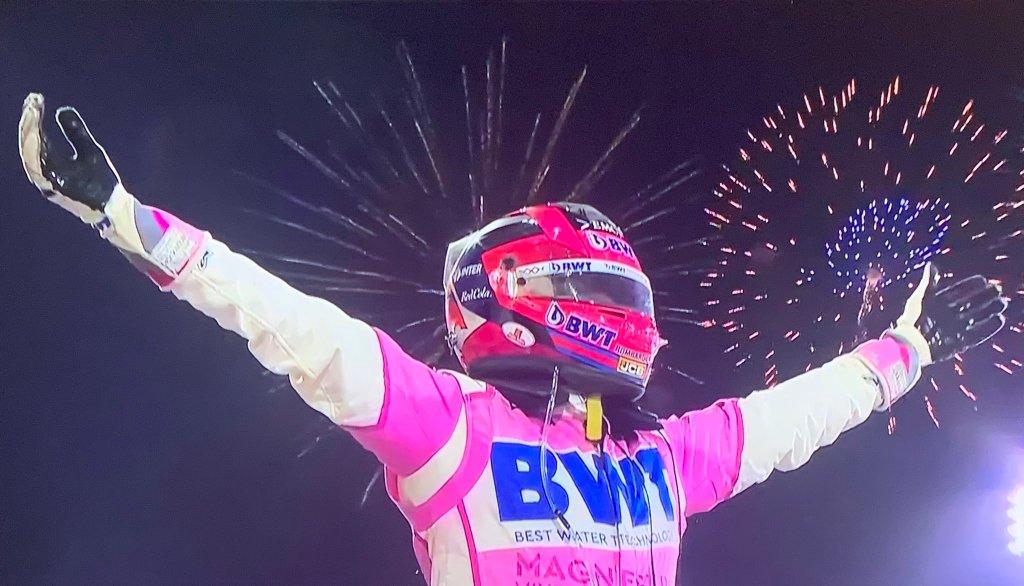 Checo Pérez hace historia: gana el Gran Premio de Sahkir en Baréin