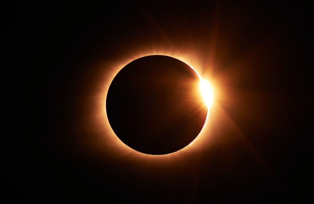 Eclipse total de sol y otros fenómenos astronómicos que se verán en diciembre