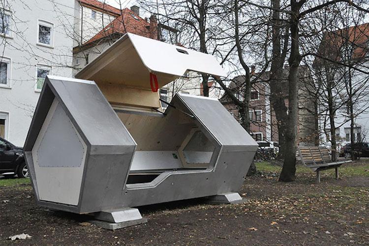 Alemania coloca cápsulas solares para indigentes en la calle