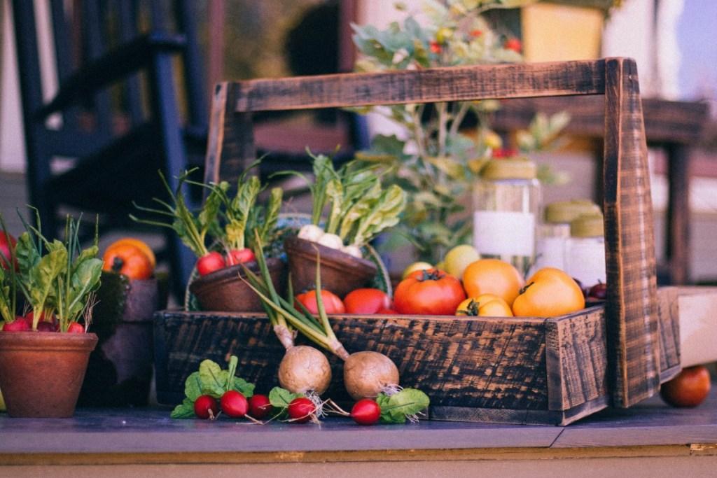 Estas son las frutas y verduras de temporada que puedes consumir para cuidar el planeta