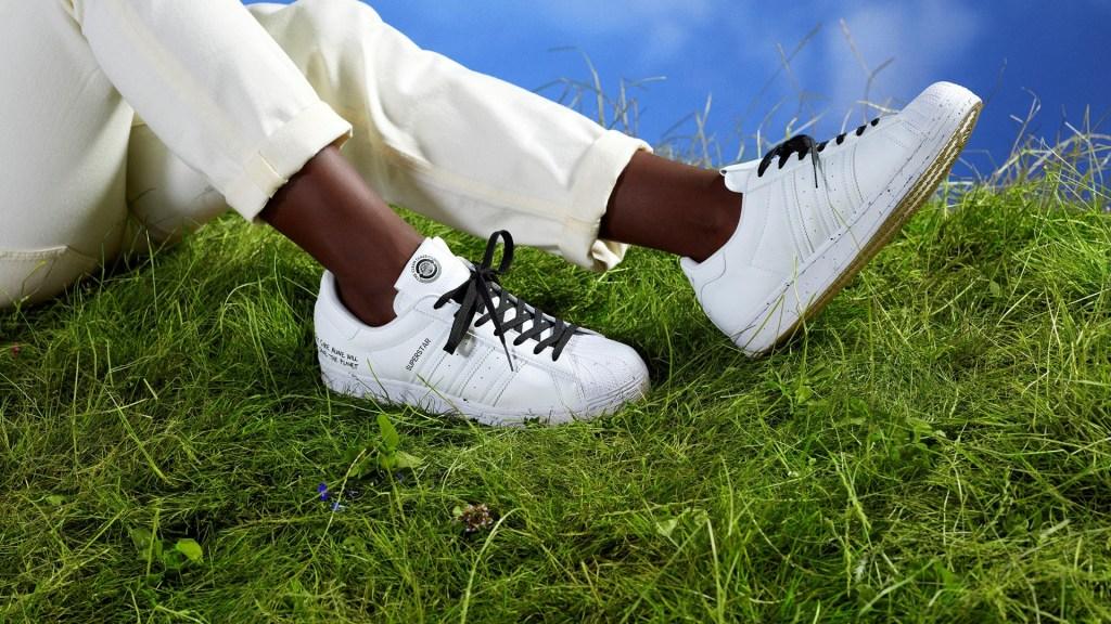 Adidas prohíbe el uso de pieles en sus productos