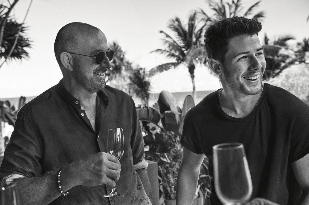 El tequila sustentable de Nick Jonas y John Varvatos que todos debemos probar