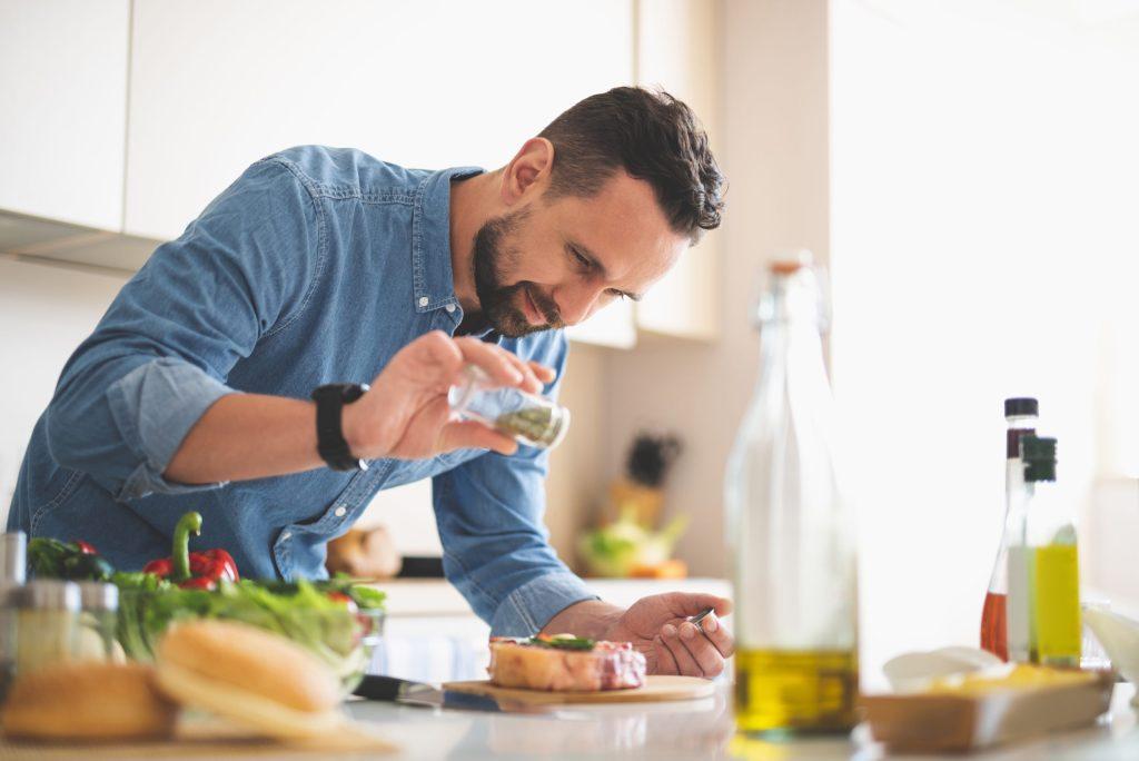 7 secretos para mejorar el sabor de tu comida, según un chef francés