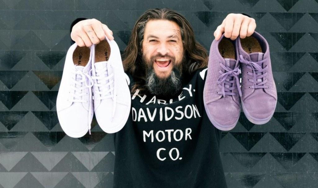 Jason Momoa presenta su nueva colección de sneakers veganos