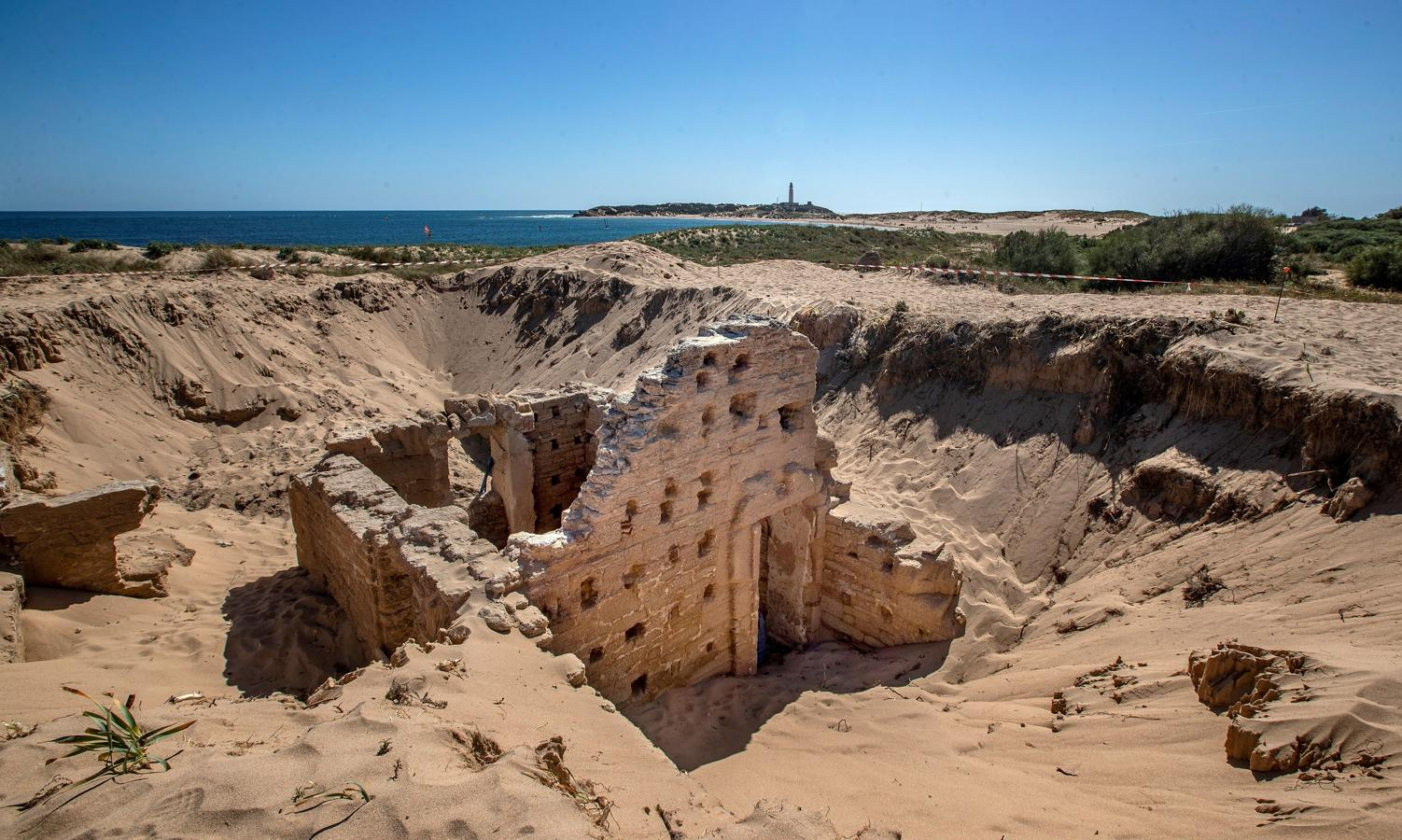 Estas termas romanas aparecieron debajo de unas dunas en Cádiz