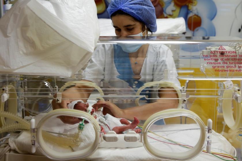 Una joven de 25 años da a luz a ¡nueve bebés!