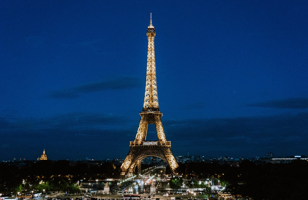 ¿Adiós al combustible fósil? La Torre Eiffel es iluminada con hidrógeno renovable