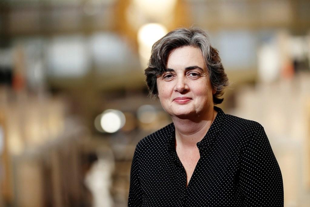 Una mujer dirigirá el Museo del Louvre por primera vez en la historia