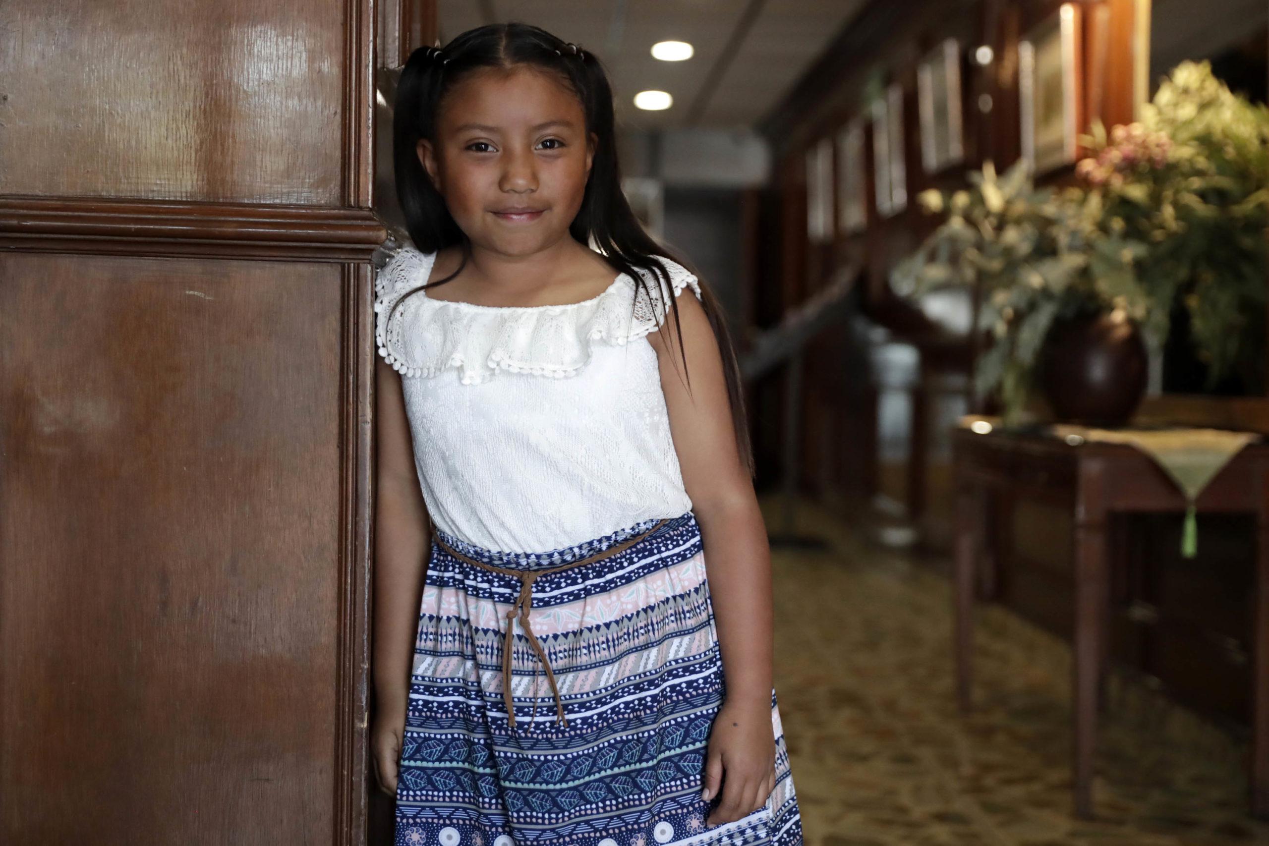 Con tan solo 9 años, esta niña mexicana ¡creó un calentador de agua solar!