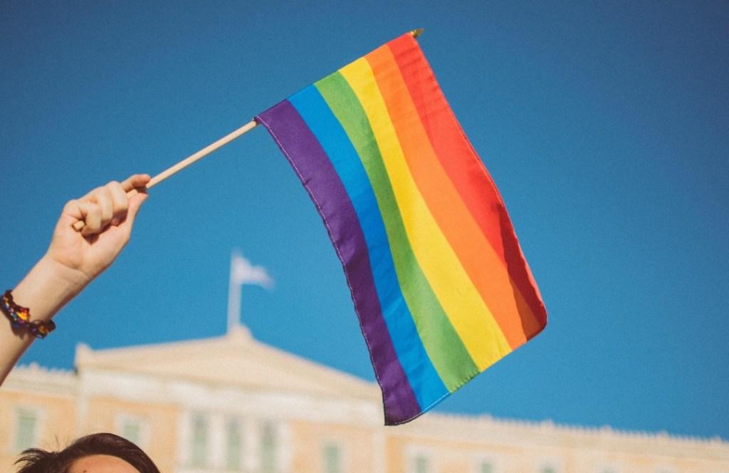 Este es el significado de las banderas LGBT+