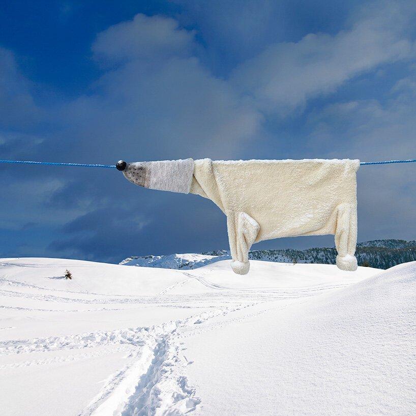 Esta artista 'cuelga la ropa' por los osos polares y el cambio climático