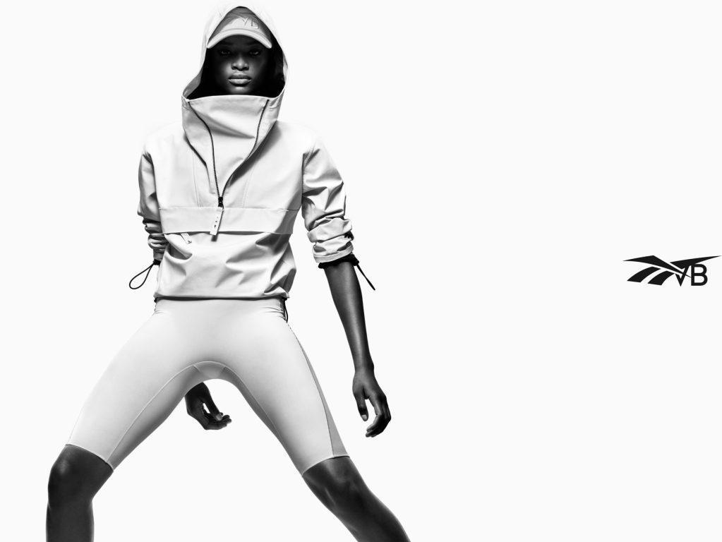 Victoria Beckham y Reebok lanzan una exclusiva colección inspirada en la simplicidad y en la naturaleza