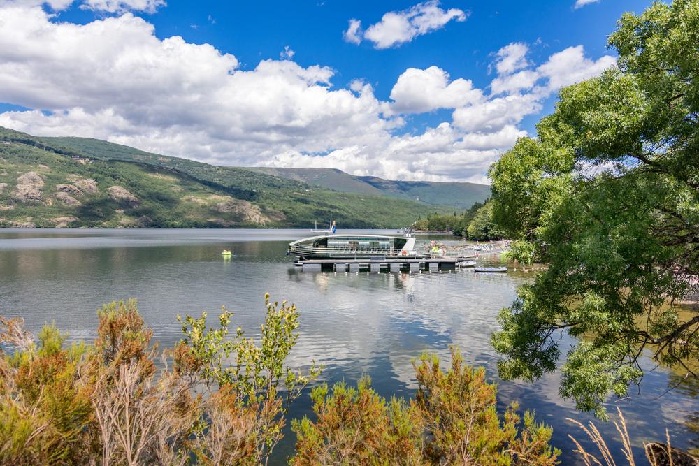 Una vieja mina de carbón es ahora el lago más grande de España