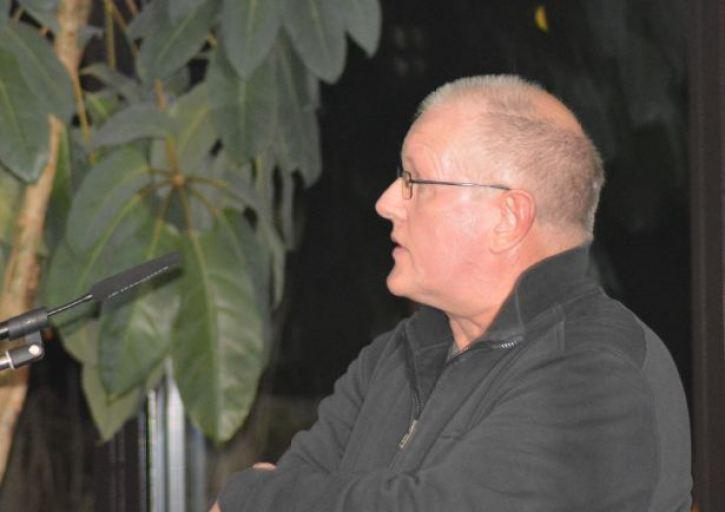Der Hauptreferent des Abends: Jens Matzen (Koordinator Wolfsbetreuung in Schleswig-Holstein), Foto: Vogler