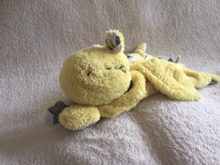 Kuschel-Drache gelb - verkauf - zum lieb haben - Wolken Sternchen