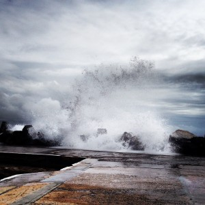 huge-waves-off-harbour