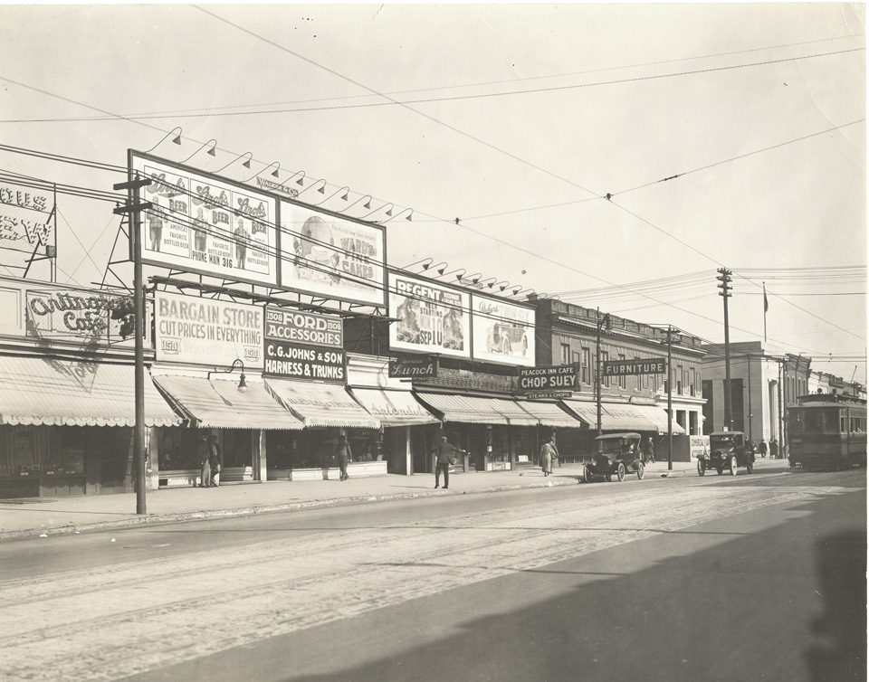 1915 East side of Woodward Ave in Detroit