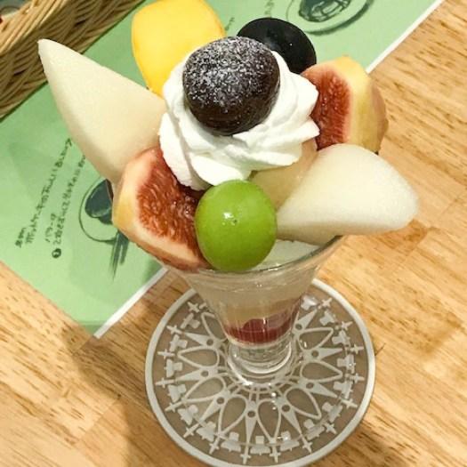 「ホットケーキパーラー Fru-Full 赤坂店」のフルーツパフェ