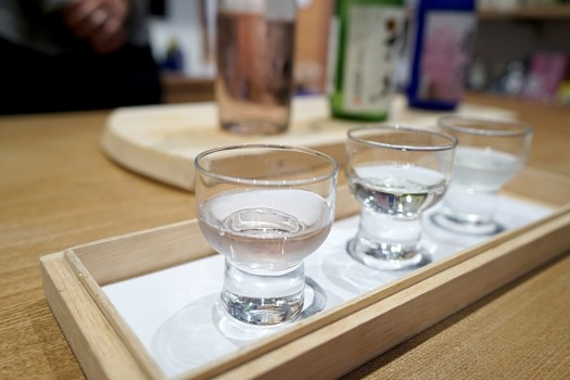 浜町安文酒店で福井の地酒飲み比べ