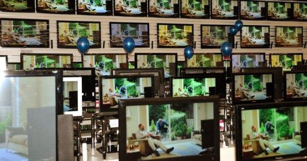 Как выбрать телевизор для дома на кухню - диагональ, матрица
