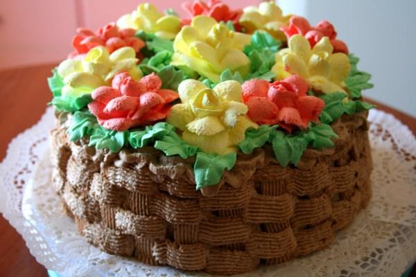 Как украсить детский торт?