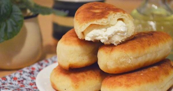 Пирожки с творогом в духовке или на сковороде - рецепты ...