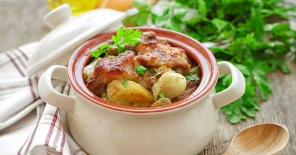 Жаркое в горшочках с мясом и картошкой, грибами ...