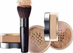 The better to use powder or foundation