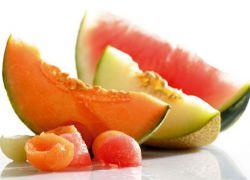 Где больше калорий в арбузе или дыне. Летнее удовольствие: арбузы и дыни. Что полезного в арбузе или дыне