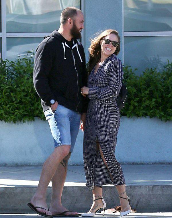 Ронда Роузи собралась замуж за Трэвиса Брауна
