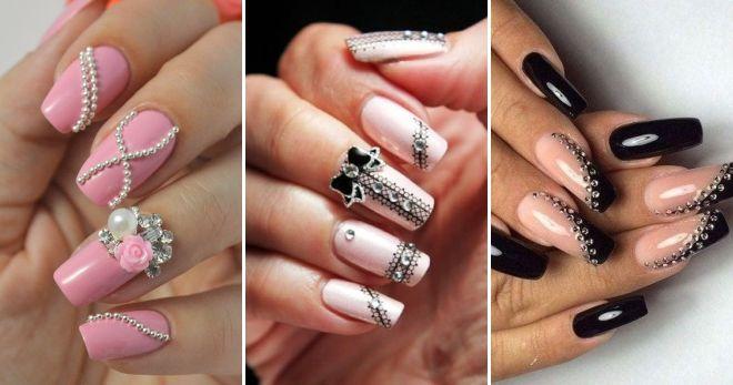 Nail design with rhinestones and bouillon festive
