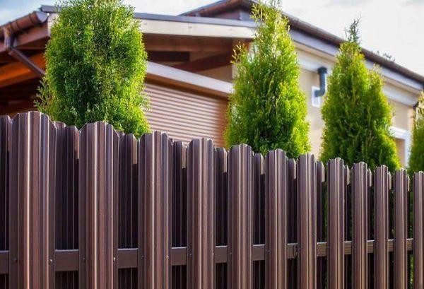 Заборы для дачи - оригинальные варианты из дерева ...