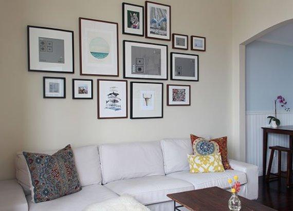 Как красиво повесить фоторамки на стене?