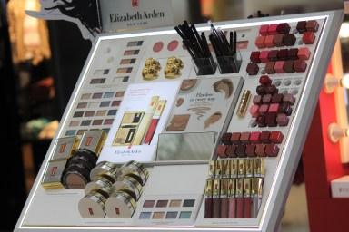 Elizabeth Arden's make up set