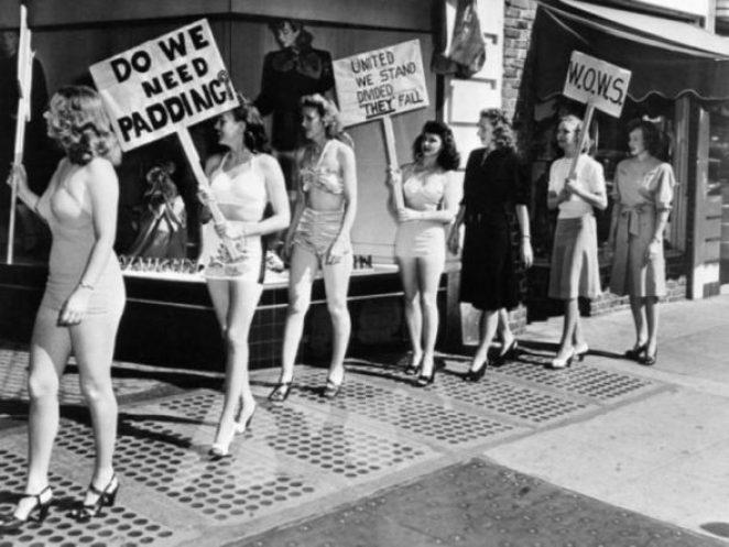 Женщины против макси