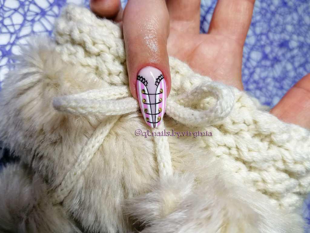 nail-art-bustino-circense-tutorial-universo-donna